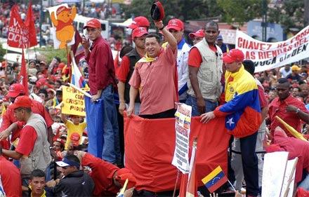 Cuộc đời Tổng thống Hugo Chavez qua ảnh - 9