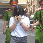 An ninh Xã hội - Dữ dằn chém chồng, ra tòa còn cướp diễn đàn