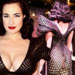 Thời trang - Dita Von Teese mặc váy 3D khoe cơ thể