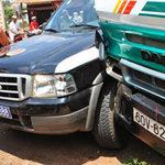 Tin tức trong ngày - Xe thanh tra giao thông ép xe tải gây tai nạn