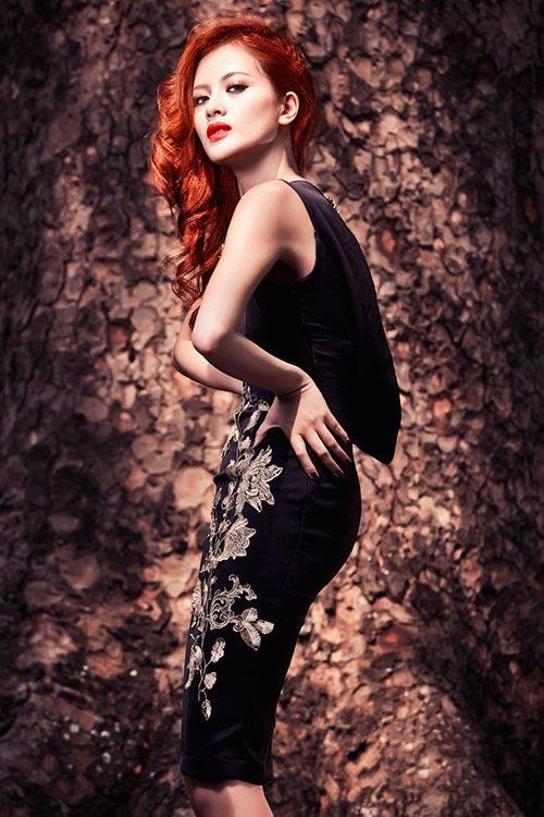 Mẫu váy tôn vinh cơ thể phụ nữ - 4