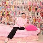 Tin tức trong ngày - Mỹ: Lạ lùng anh chàng mua 2.000 búp bê Barbie