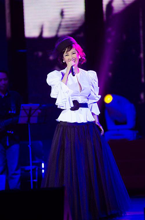 """Hồng Nhung-Quang Dũng """"hạ gục"""" khán giả, Ca nhạc - MTV, Hong Nhung, Quang Dũng, Thanh Lam, Tung Duong, Tuan Ngoc, Thu Minh, Anh con no em, sao viet, ca sy, ngoi sao, bao ngoi sao, tin tuc"""