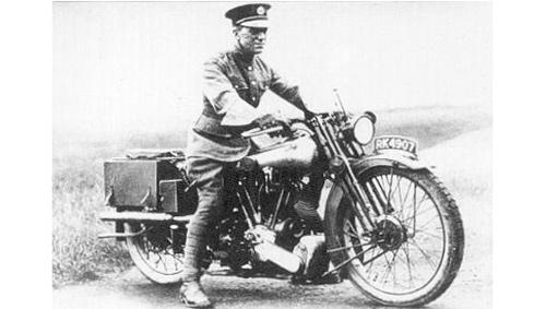 Mũ bảo hiểm xe máy bắt nguồn từ đâu? - 2