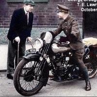 Mũ bảo hiểm xe máy bắt nguồn từ đâu?