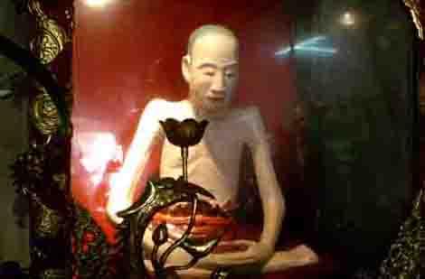 """Những pho tượng """"độc, dị"""" nhất Việt Nam - 6"""