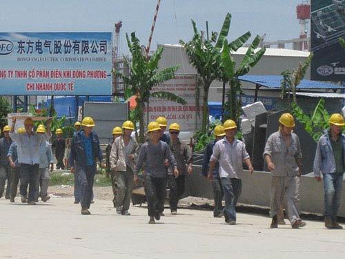 Ngán ngẩm lao động TQ: Xáo trộn làng quê - 1