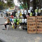 Thị trường - Tiêu dùng - Bán tháo mũ bảo hiểm rởm