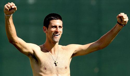 Djokovic và bồ Azarenka đọ tài chơi bóng - 4