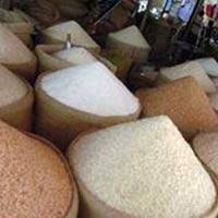 Thái Lan mua gạo nông dân giá cao, bán rẻ