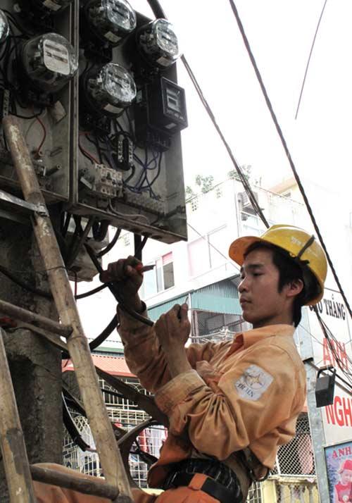Lo ngại giá điện tăng nhanh, mạnh hơn - 1