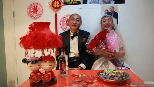 """3 đám cưới đồng tính gây """"náo loạn"""" Trung Quốc - 1"""