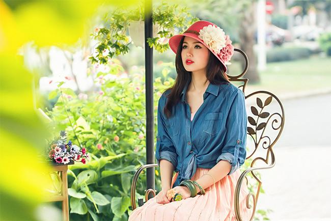 Tâm Tít: Gợi cảm để trưởng thành   Tâm Tít: Muốn thoát khỏi hình ảnh hot girl  Hot girl Nana gợi cảm đón năm mới Miss Teen Thu Trang xinh như nụ đào xuân