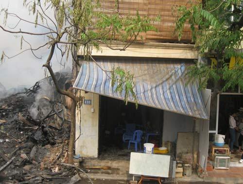 Hoang tàn sau đám cháy nhà 5 tầng - 8
