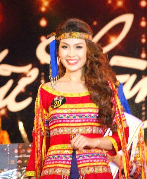 Hoa hậu Ngọc Hân khai thác cơ thể ý nhị - 14