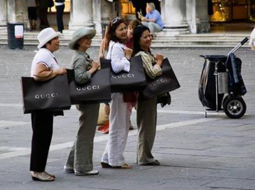 Nợ công tăng theo độ xa xỉ của người Việt? - 1
