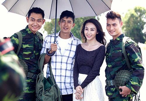 """Ngân Khánh """"phải lòng"""" trai có vợ trong MV mới - 19"""