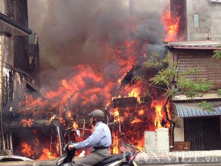 Vụ cháy nhà 5 tầng thiệt hại 3 tỷ? - 2
