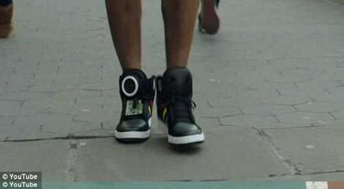 """Google sản xuất giày """"biết nói"""" - 6"""