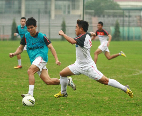 ĐTVN: 2 cầu thủ Việt kiều tự tin trở lại - 1