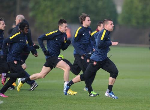 Arsenal: Canh bạc tấn công - 1