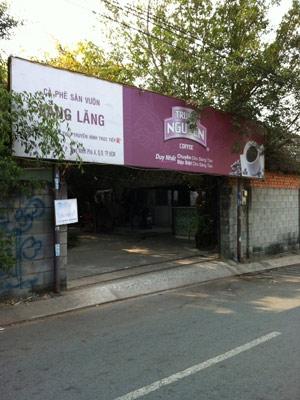 """Đột nhập sòng bạc """"khủng"""" ở Sài Gòn - 1"""