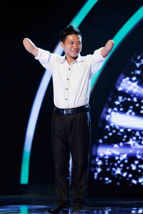 """Thúy Hạnh, Thành Lộc """"ném đá"""" Huy Tuấn - 1"""