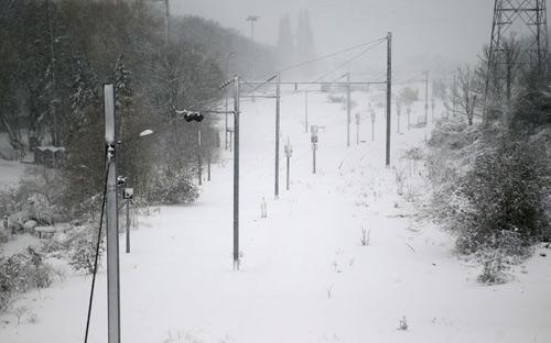 Giao thông châu Âu tê liệt vì bão tuyết - 1