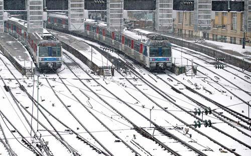 Giao thông châu Âu tê liệt vì bão tuyết - 13