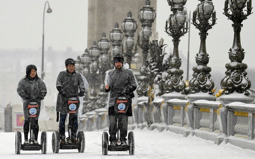 Giao thông châu Âu tê liệt vì bão tuyết - 15