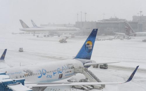 Giao thông châu Âu tê liệt vì bão tuyết - 7