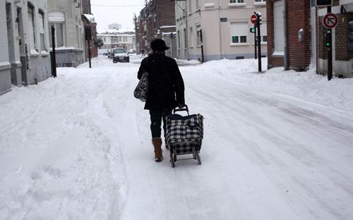 Giao thông châu Âu tê liệt vì bão tuyết - 9