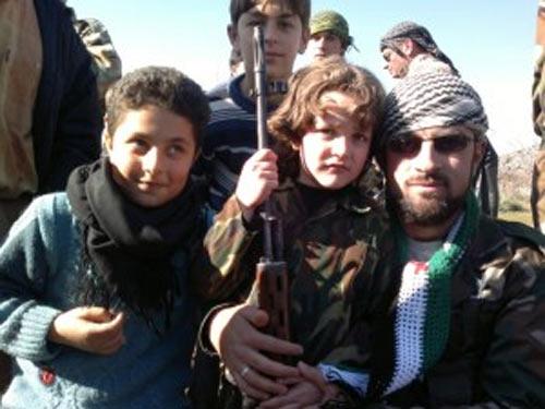 Syria: Dùng trẻ em làm lá chắn sống - 1