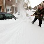 Tin tức trong ngày - Giao thông châu Âu tê liệt vì bão tuyết