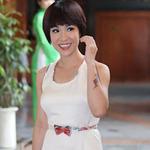 Làm đẹp - Uyên Linh dính nghi án độn cằm