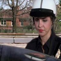 Chùm ảnh: Trêu nữ cảnh sát giao thông
