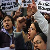 Thêm một vụ hiếp dâm rúng động Ấn Độ
