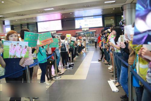 Giới trẻ háo hức đón mỹ nam Minho đến Việt Nam   1363573439 sao han  19