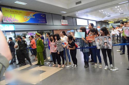 Giới trẻ háo hức đón mỹ nam Minho đến Việt Nam   1363574139 sao han  14