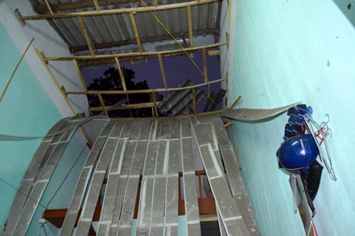 Quảng Ninh: Nổ lớn, hàng chục ngôi nhà hư hại - 3