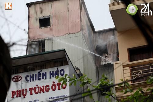 HN: Cháy lớn ở chợ Giời, dân hoảng loạn - 1