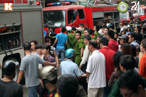 HN: Cháy lớn ở chợ Giời, dân hoảng loạn - 6