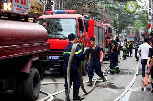 HN: Cháy lớn ở chợ Giời, dân hoảng loạn - 3