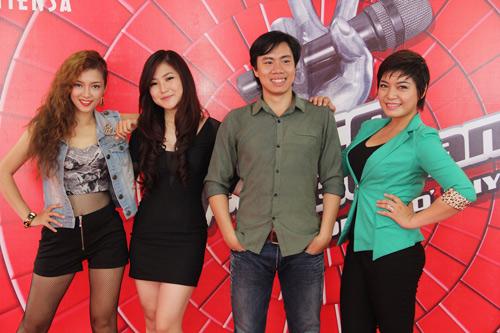 Hương Tràm, Đinh Hương mách nước thi The Voice - 2