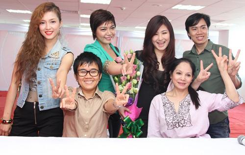 Hương Tràm, Đinh Hương mách nước thi The Voice - 7