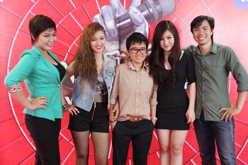 Hương Tràm, Đinh Hương mách nước thi The Voice - 1