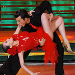 Ca nhạc - MTV - Yến Trang: Chân dài cặp đại gia, có gì sai?