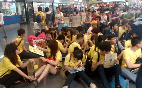 T-ara rạng rỡ tại sân bay Nội Bài - 5
