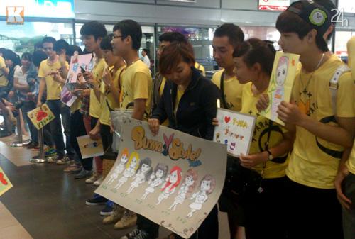 T-ara rạng rỡ tại sân bay Nội Bài - 6