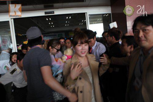 T-ara rạng rỡ tại sân bay Nội Bài - 2
